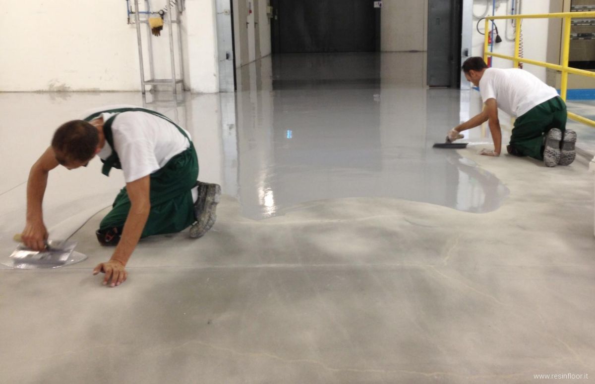 Resina pregi e difetti delle pavimentazioni resin floor srl - Resina pavimento esterno ...
